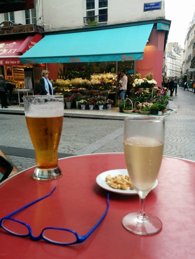 drinks outside on rue montorgueil