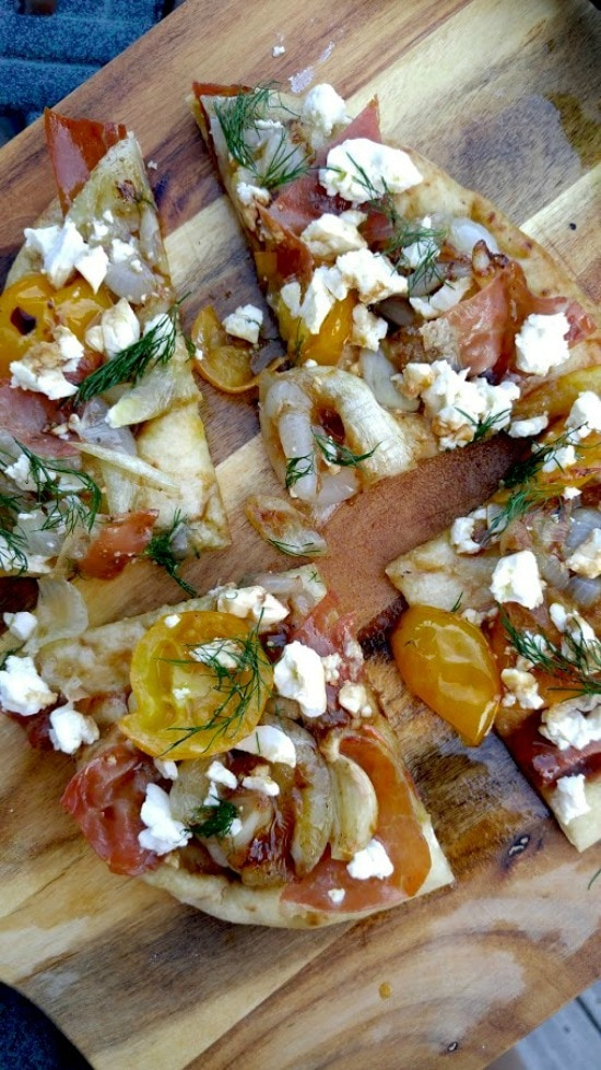 pita bread pizza slices